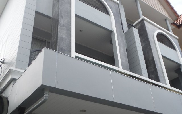 Отель Le Thalassa Guesthouse вид на фасад