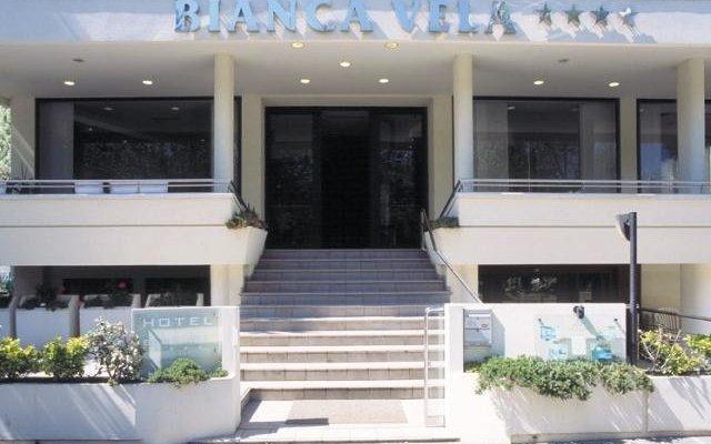 Отель Bianca Vela Италия, Римини - отзывы, цены и фото номеров - забронировать отель Bianca Vela онлайн вид на фасад
