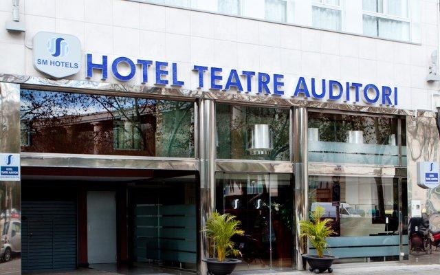 Отель Teatre Auditori Барселона вид на фасад