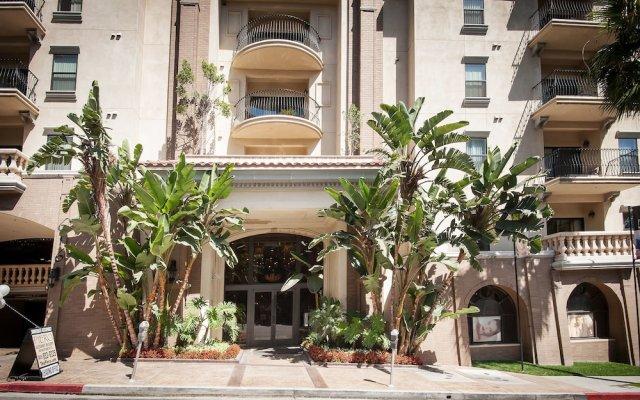 Отель Sunshine Suites at The Piero вид на фасад