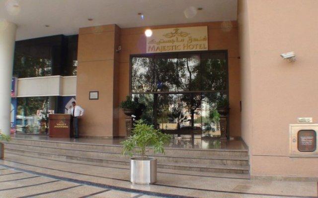 Отель Majestic City Retreat Hotel ОАЭ, Дубай - 5 отзывов об отеле, цены и фото номеров - забронировать отель Majestic City Retreat Hotel онлайн вид на фасад