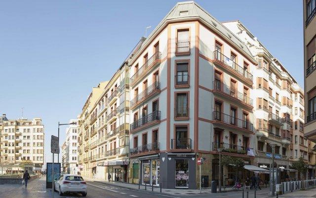 Апартаменты Mur Apartment by FeelFree Rentals вид на фасад
