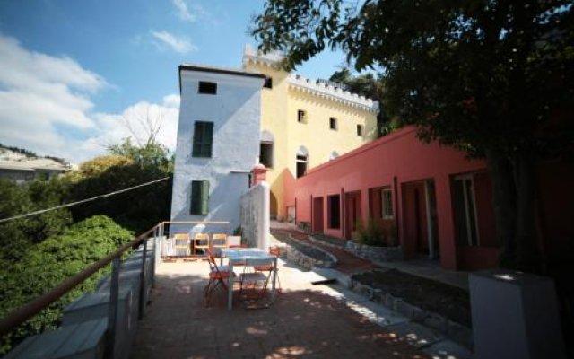 Отель Castle Hostel Италия, Генуя - отзывы, цены и фото номеров - забронировать отель Castle Hostel онлайн вид на фасад