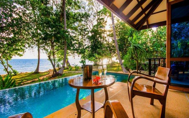 Отель Koh Jum Beach Villas вид на фасад