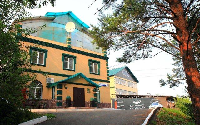 Отель Green Roof