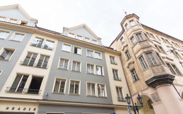Апартаменты Charles Bridge Studio Apartment by easyBNB вид на фасад