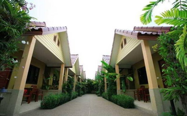 Отель Panpen Bungalow Phuket вид на фасад