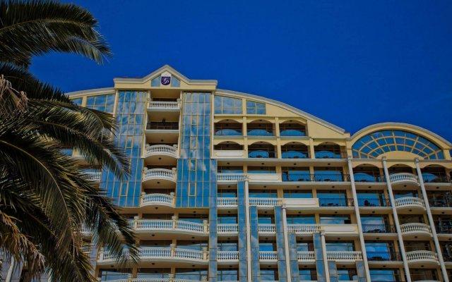 Victoria Palace Beach Hotel вид на фасад