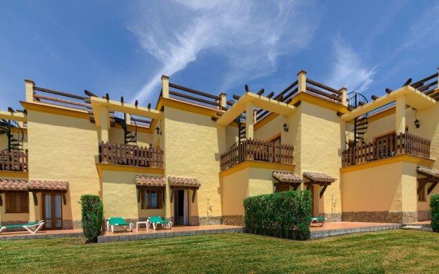 Отель Apartamentos Villafaro вид на фасад