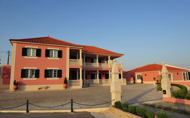 Отель Quinta De Santa Maria D' Arruda Португалия, Турсифал - отзывы, цены и фото номеров - забронировать отель Quinta De Santa Maria D' Arruda онлайн вид на фасад