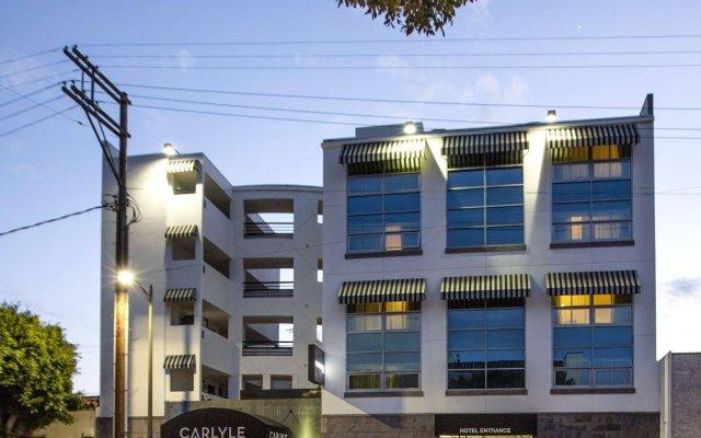 Отель Carlyle Inn вид на фасад