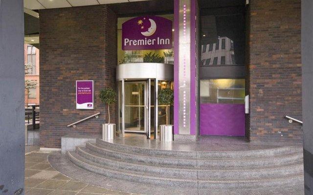Отель Premier Inn Glasgow City - Charing Cross вид на фасад