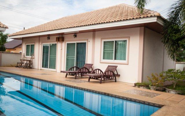 Отель Narnia Resort Pattaya 2 вид на фасад