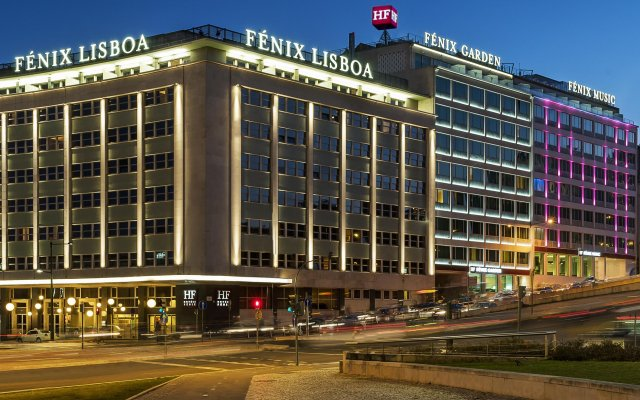 Отель HF Fénix Lisboa вид на фасад
