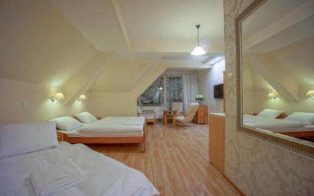 Отель Jawor Pokoje i Apartamenty Польша, Закопане - отзывы, цены и фото номеров - забронировать отель Jawor Pokoje i Apartamenty онлайн комната для гостей