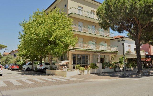 Отель Urania Италия, Риччоне - отзывы, цены и фото номеров - забронировать отель Urania онлайн вид на фасад