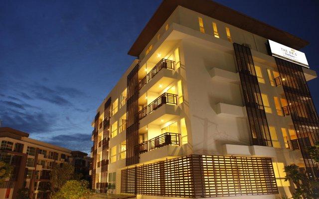 Отель The Kris Residence вид на фасад