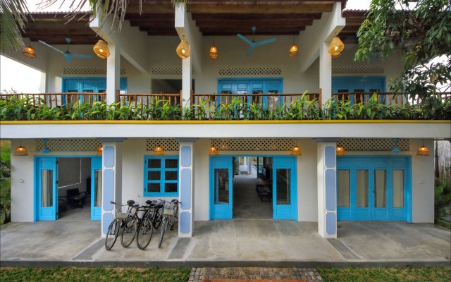 Отель Life Beach Villa вид на фасад