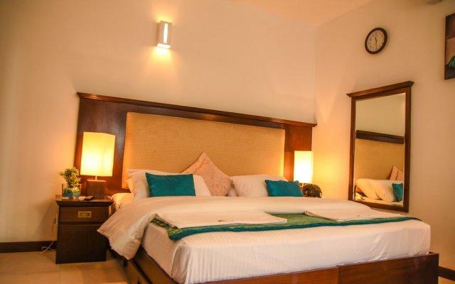 Отель White Villa Resort Aungalla вид на фасад