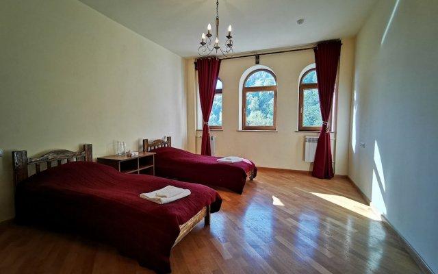 Vanatun Monastery Stay 1