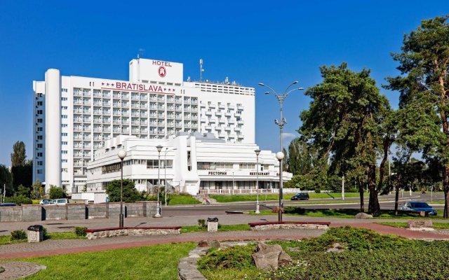 Гостиница Братислава вид на фасад