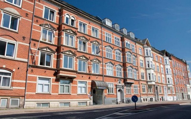 Best Western Prinsen Hotel Алборг вид на фасад