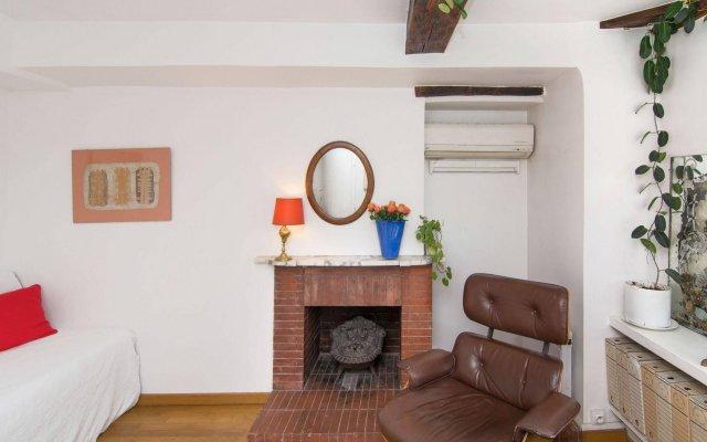 Апартаменты BP Apartments - Charming Louvre комната для гостей
