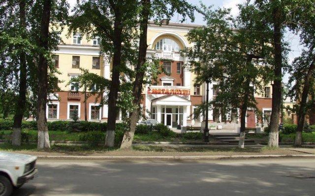 Гостиница Металлург вид на фасад