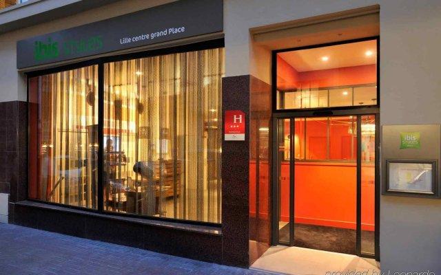 Отель ibis Styles Lille Centre Grand Place вид на фасад