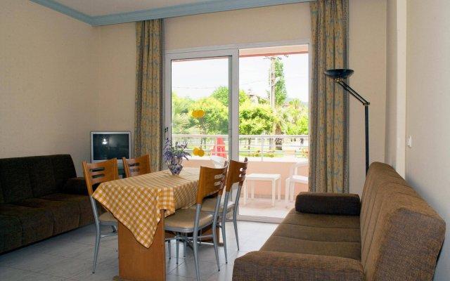 Апартаменты High Life Apartments комната для гостей
