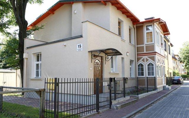 Отель Chrobry Sopockie Apartamenty Сопот вид на фасад