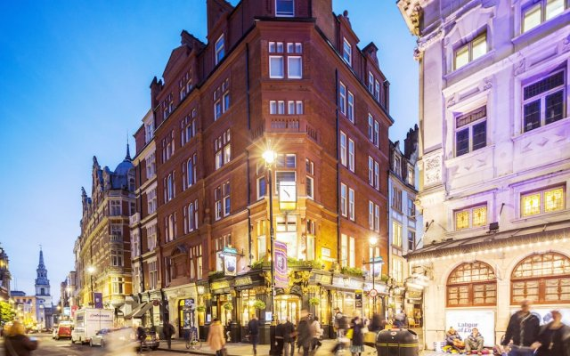 Отель Native Covent Garden вид на фасад