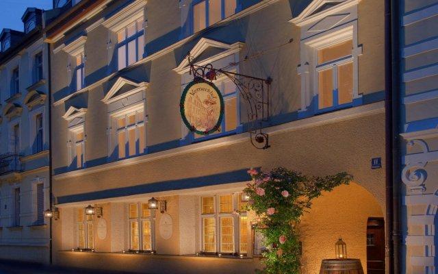 Hotel Königshof Мюнхен вид на фасад