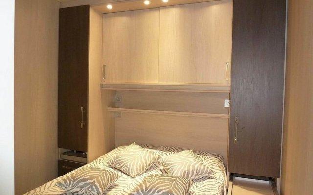 Отель One Bedroom Carlton комната для гостей