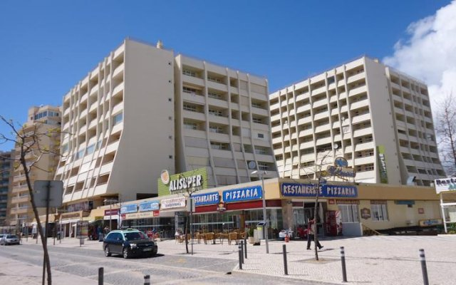 Апартаменты Apartment Vista Praia da Rocha вид на фасад