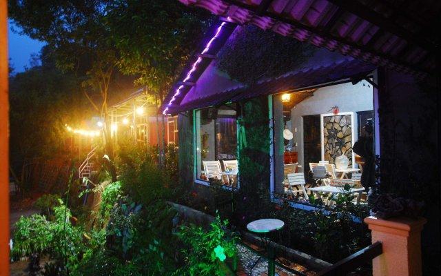 Отель Family And Friends Homestay Da Lat Далат вид на фасад