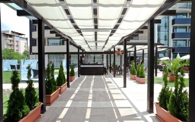 Lion Hotel Солнечный берег вид на фасад