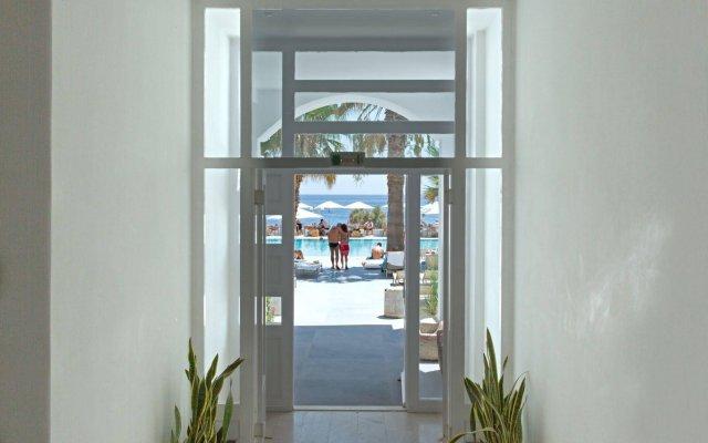 Kamari Beach Hotel вид на фасад