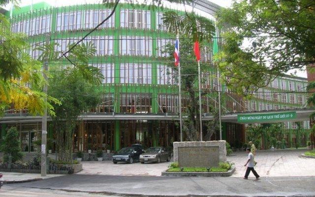 Отель Silk Path Grand Hue Hotel & Spa Вьетнам, Хюэ - отзывы, цены и фото номеров - забронировать отель Silk Path Grand Hue Hotel & Spa онлайн вид на фасад