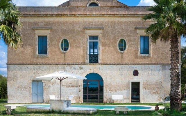 Отель Casale Rurale Кутрофьяно вид на фасад