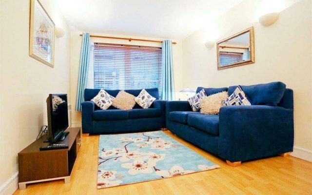 Апартаменты Chand Apartments комната для гостей