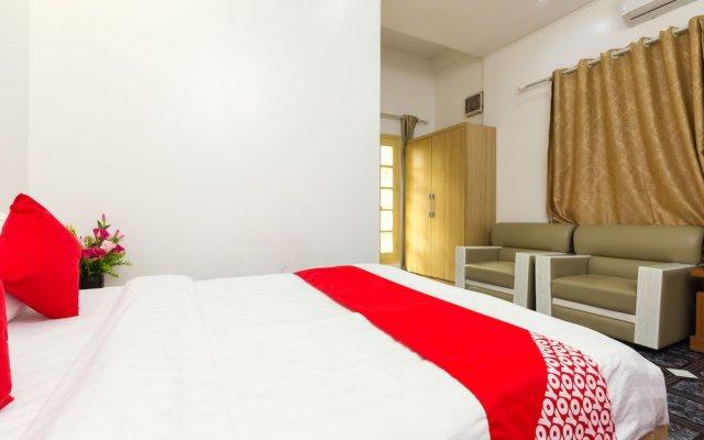 Отель OYO 889 Ha Vy Motel Ханой комната для гостей