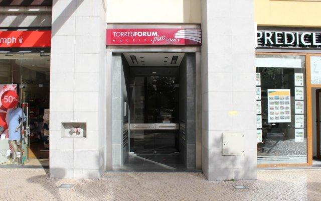 Отель Torres Forum Plus Португалия, Фуншал - отзывы, цены и фото номеров - забронировать отель Torres Forum Plus онлайн вид на фасад