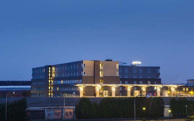 Отель Park Inn by Radisson Copenhagen Airport вид на фасад