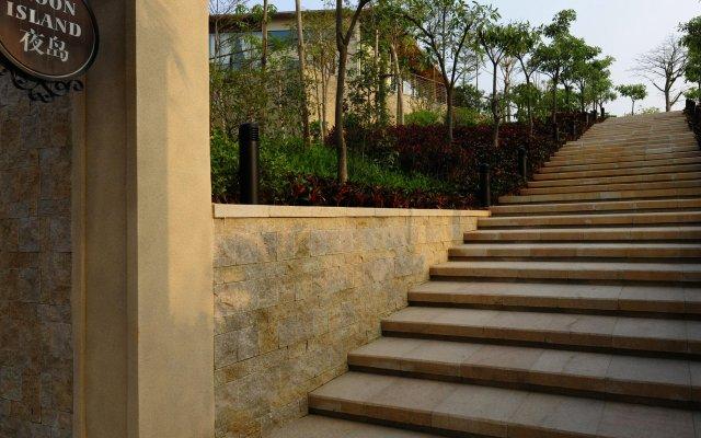 Отель Sheraton Qingyuan Lion Lake Resort вид на фасад