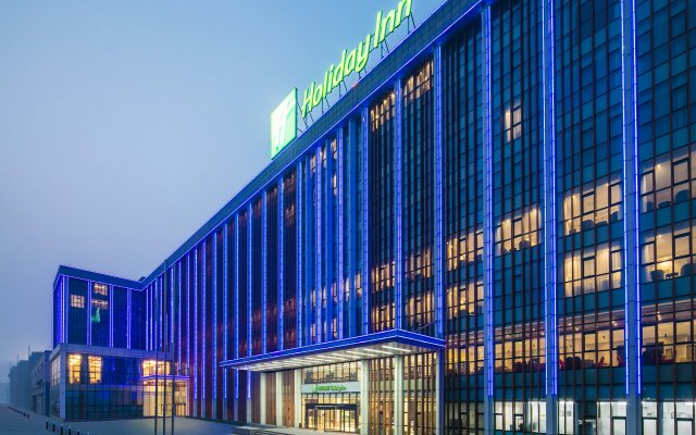Отель Holiday Inn Beijing Airport Zone вид на фасад