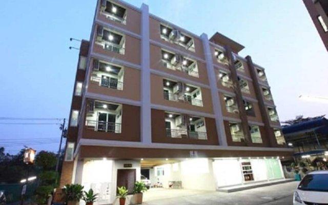 Отель Rattanasook Residence вид на фасад