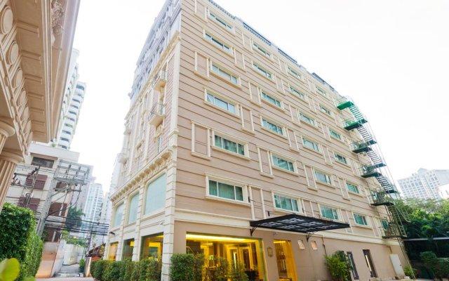 Отель Kingston Suites Bangkok вид на фасад