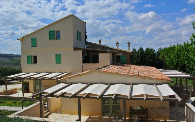 Отель Le MaRaClà Country House Джези вид на фасад