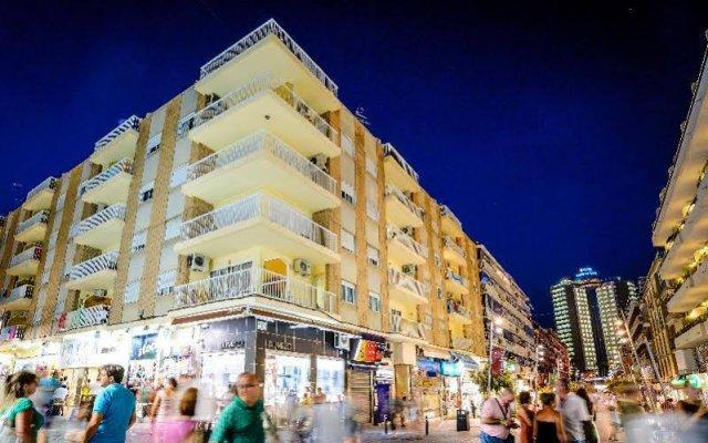 Отель Apartamentos Avenida Испания, Пляж Леванте - отзывы, цены и фото номеров - забронировать отель Apartamentos Avenida онлайн вид на фасад